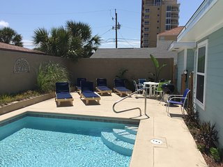 7 BR/4BA Gulf View / Private Pool / Easy to Beach, Panama City