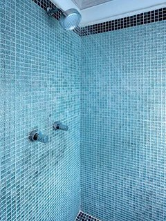 Belair - Shower with Cooling Tones