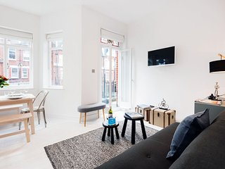 Barons Court Lodge III apartment in Hammersmith with WiFi & balkon.