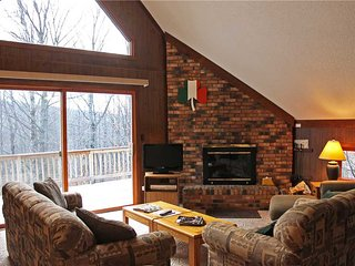 Located at Base of Powderhorn Mtn in the Western Upper Peninsula, A Cozy Vacation Home with a Beautiful Nature View, Ironwood