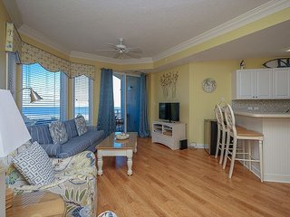 2411 SeaCrest-Beautiful, Oceanview & Updated. NOW avail. 4/8-15 week., Hilton Head