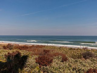 Remodeled 3rd floor direct oceanfront - Unit 834 close to the pools!!!, Palm Coast