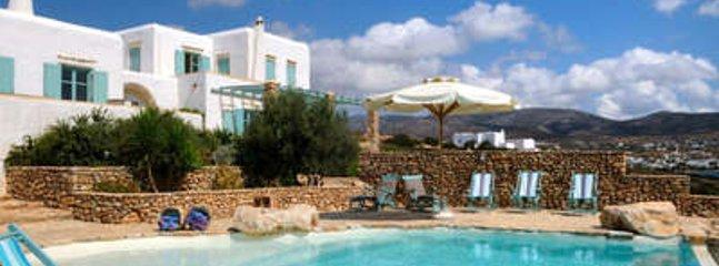 Sensational 4 Bedroom Villa in Paros