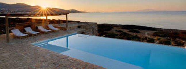 Magnificent 3 Bedroom Villa in Paros