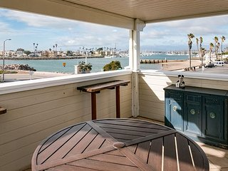 Ocean-View 2BR, 1BA Apartment at Kiddie Beach Park, Oxnard