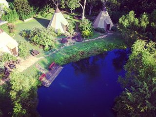 Cozy Teepee * Geronimo Creek Retreat! Heated/AC-Insulated, Kayak, Fish HotTub