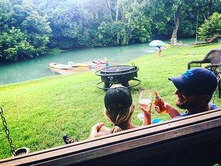Geronimo Creek Retreat- Getaway Cabin #1 (Sleeps 5 Max)