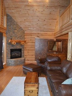 Couch,Furniture,Indoors,Loft,Hardwood
