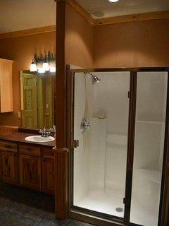 Bathroom,Indoors,Molding,Room,Door