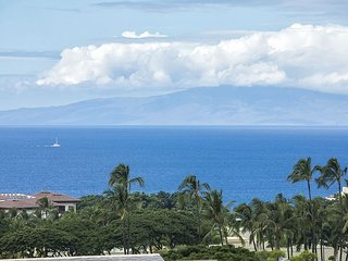 Wailea Ekolu #406 2BD/2BA Panoramic Ocean View Near Beach, Full A/C, Sleeps 4