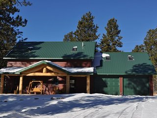 Rubicon Lodge - 4 bedroom cabin on Terry Peak!