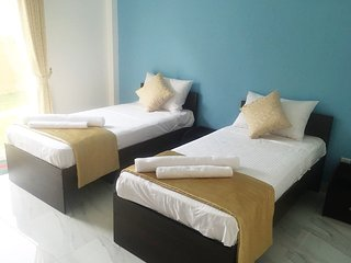 Negombo BnB Twin Deluxe Walk to Beach Non AC/ Ceiling Fan  Free Wifi