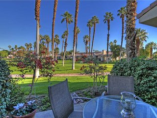 Palm Valley-Associate Golf! (V1553) Views! Free Long Distance Calling
