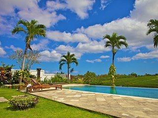 LUXURY Peaceful 5 BDR Villa in Canggu with 1800 view over the rice fields!