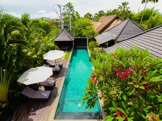Villa Bima 4BR at Oberoi or eat street, 750m to Kudeta Beach