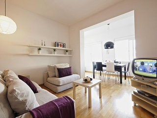 Suite Pop Art apartment in Eixample Dreta with WiFi, air conditioning & lift.