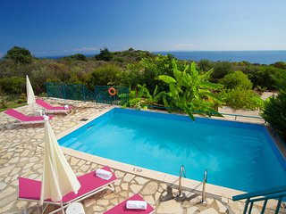 IDEAL FAMILY RETREAT IN SKALA WITH AMAZING SEA VIEWS (G)