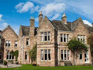 036-Dalmore Baronial Mansion, Alness
