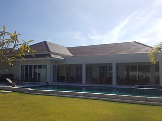Villas for rent in Hua Hin: V6289