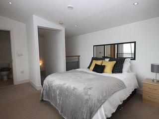 2 BR Duplex City Centre Apartment, Liverpool