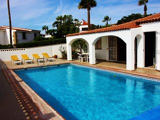 La Quinta 245  - 3 bed villa with heated pool and sea views, wi-fi, satellite TV