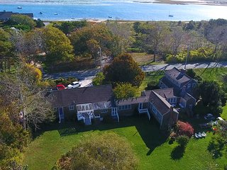 Historic North Chatham Estate. Sleeps 20, private beach! (linens included):545-C