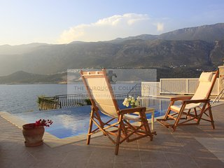 Peninsula Villa 2: 4 bedroom villa on Kas peninsula with private infinity pool