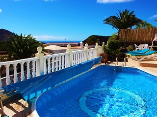 Calle La Punta - lovely 3 bed & private pool!