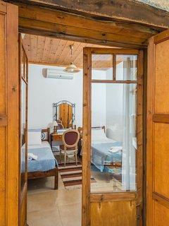 Calypso's bedroom C