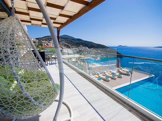 Villa Mavi Kelebek - 6 bedroom villa in Kisla, Kalkan with pool & sea views