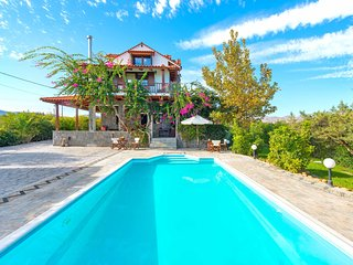 Villa Zoi with heated pool