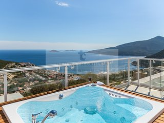 Villa Chremado - 3 Bedroom villa with private pool with sea views
