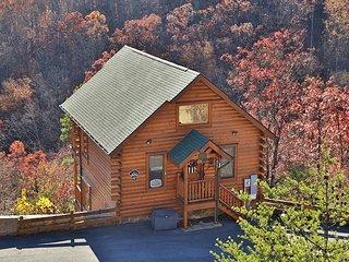 Quaint, Cozy, Wide Open Spaces, Resort Pool, Workout Rm., Sauna & Picnic Area, Sevierville