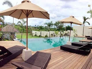 Luxury deluxe 6BR villa full view canggu