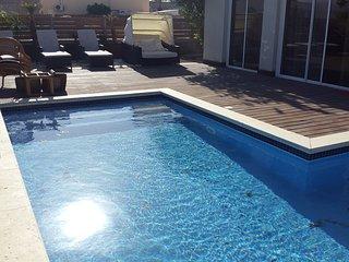 Villa Calypso, hasta 7 personas, base por 5 personas, baño privado, Eilat