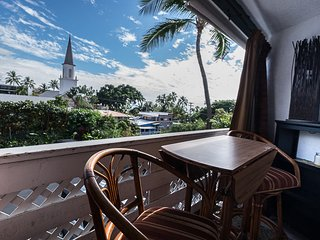 RENOVATED STUDIO AND COMES WITH FREE PARKING AVAILABILITY, Kailua-Kona