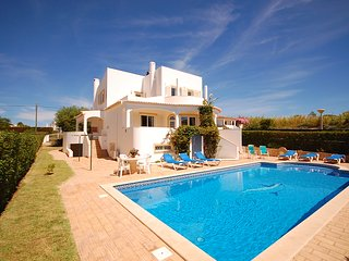 UP TO 25% OFF! KATHARINA, Cosy villa with pool, games room, AC, WiFi, walk beach