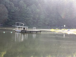 Holiday Haven Lake is just a 5 minute walk from cabin