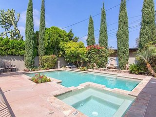 20% OFF OPEN NOV! California Dream Home w/ Pool, Jacuzzi & Patio/Disney Close