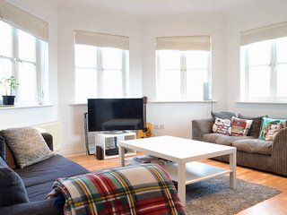 Light,bright 2BD with amazing views
