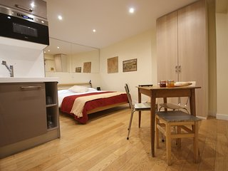 Home sweet home in the heart of le Marais