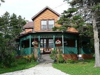Wildflowers Country Inn - Guest House, Rocky Harbour
