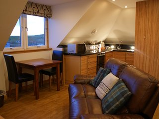 TYSTIE The Decca Apartment: 1 Double Bedroom 1st Floor Apartment, Lerwick