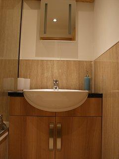 TAMMIE NORIE Kitchen Sink