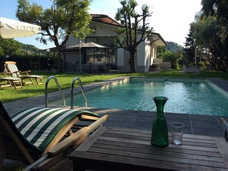 VILLA GENTILINA with pool barbecue parking free wi-fi  family & pet friendly