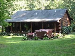 Fox Den Hideaway,Get 1/2 off a 3rd night from now through 9-30, except Labor Day