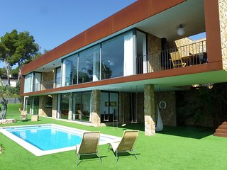LUXURY VILLA WITH SWIMMING POOL NEAR THE BEACH ref THAIS-EXTRA, Tossa de Mar