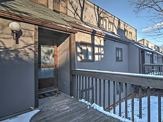 Upscale Tannersville Townhome Close to Skiing!