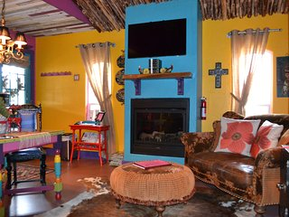 Wildchild's Casita and Gypsy Bower 2BR 2 Bath Bed and Breakfast, Fredericksburg