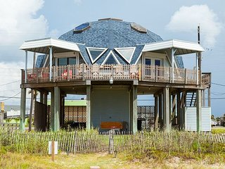 Beachfront 3BR w/Panoramic Gulf Views